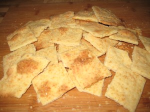 Crispy Parmesan Crackers are SO good and SO easy!