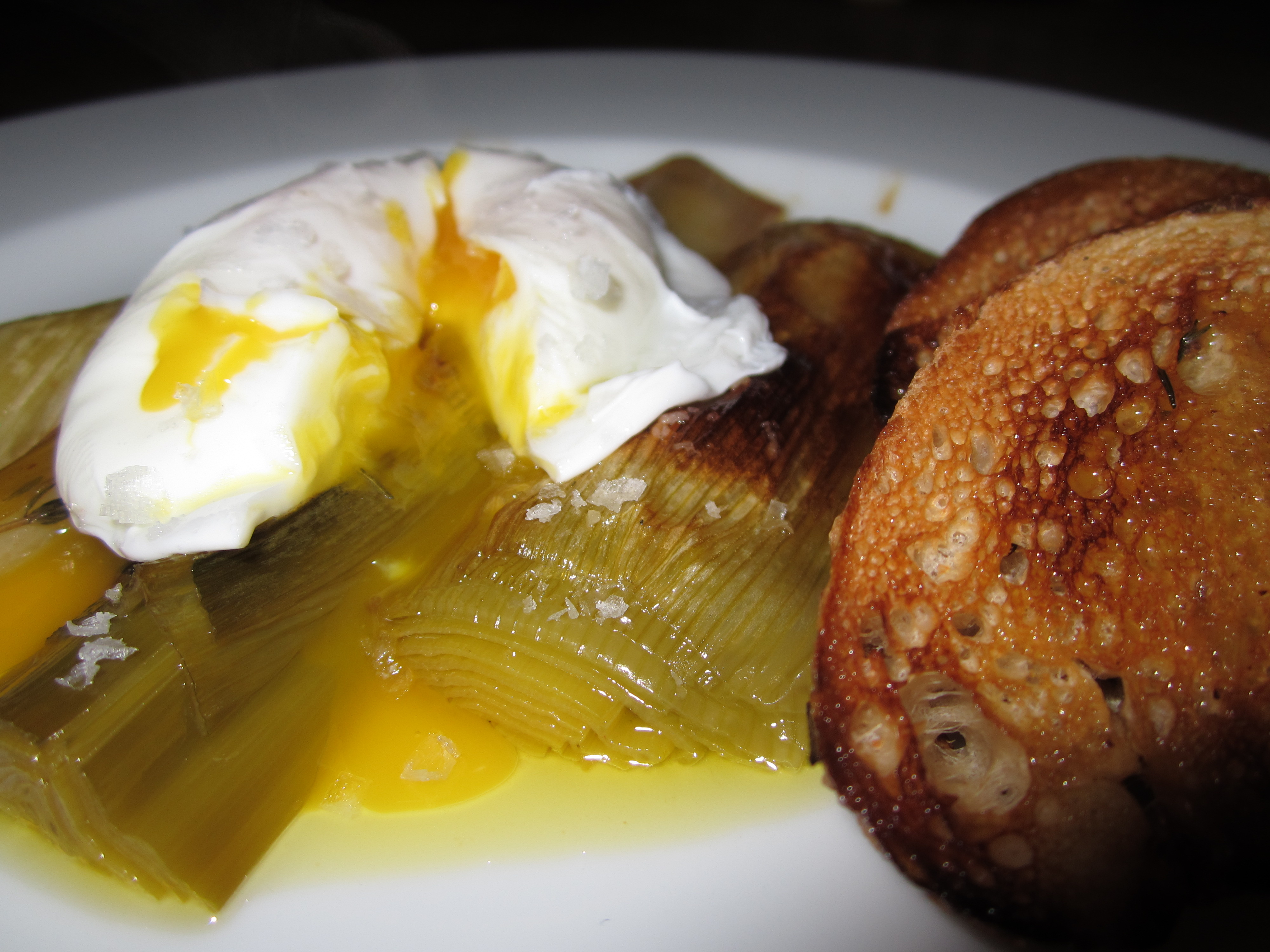 Braised Leeks with Poached Eggs | No Whisk, No Reward